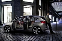 BMW-Active-Tourer-Concept-11
