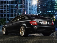 mercedes-benz-c63-amg-on-vossen-wheels-4