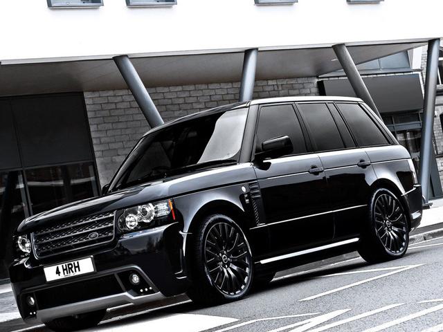 A Kahn Design's Range Rover Westminster Black Label Edition (1)